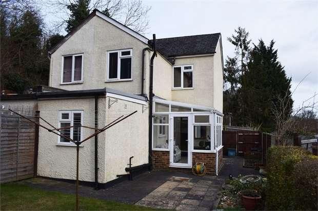 2 Bedrooms Semi Detached House for sale in Godstone Road, Kenley, Surrey