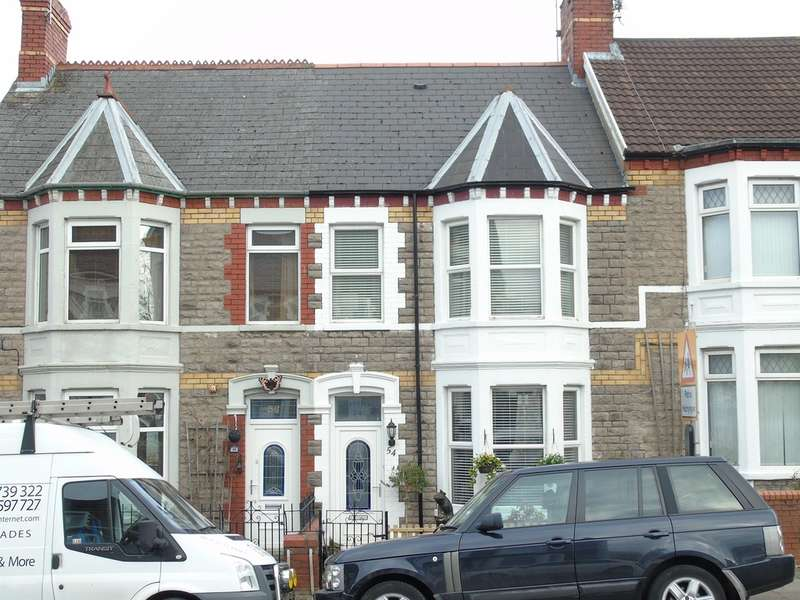 4 Bedrooms Terraced House for sale in Court Road, Barry