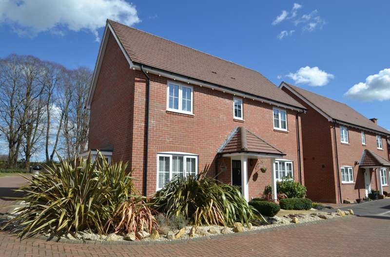 4 Bedrooms Detached House for sale in Oddstones, Codmore Hill, Pulborough, West Sussex, RH20