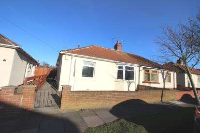 3 Bedrooms Bungalow for sale in West Avenue, South Shields, Tyne and Wear, NE34