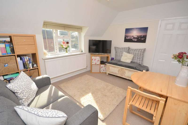 2 Bedrooms Maisonette Flat for sale in Woodside Road, Amersham HP6