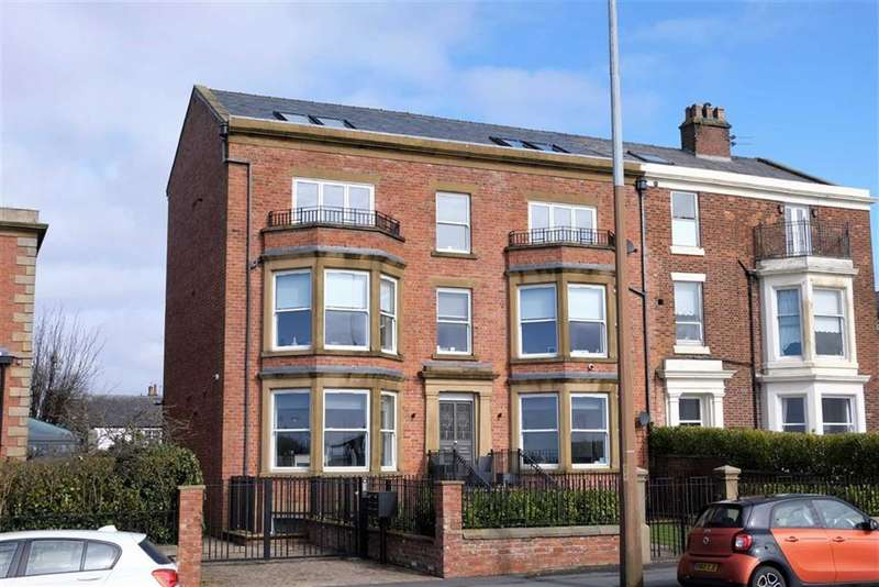 2 Bedrooms Penthouse Flat for sale in West Beach, Lytham