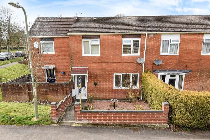 3 Bedrooms End Of Terrace House for sale in Quilter Road, Basingstoke, RG22