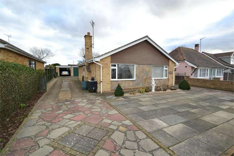3 Bedrooms Detached Bungalow for sale in Oakleigh Road, Clacton-on-Sea, Essex CO15