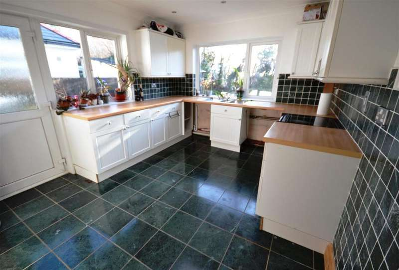 3 Bedrooms Semi Detached Bungalow for sale in Rosemarket, Milford Haven