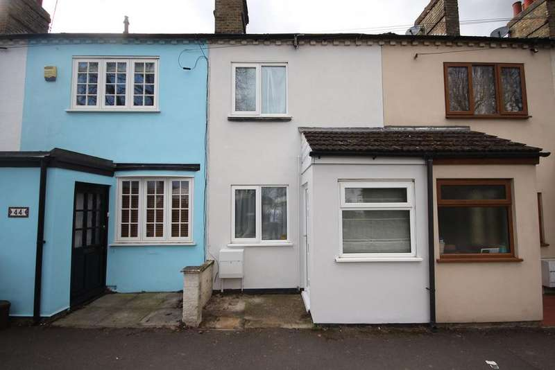 2 Bedrooms Terraced House for sale in Ivel Road, Shefford, SG17