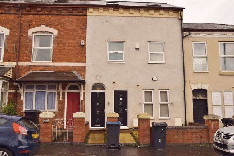 Property for rent in 8 Bedroom Modern Student Accommodation