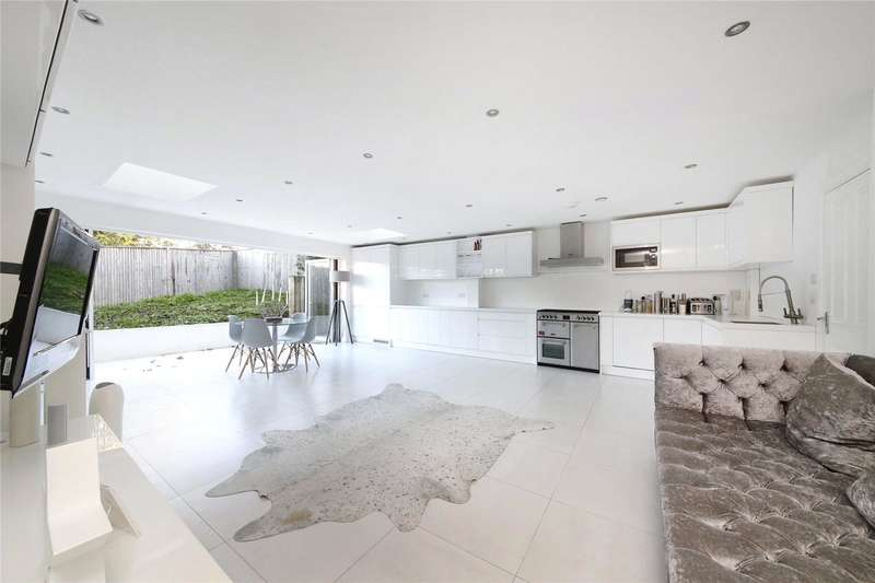 4 Bedrooms Semi Detached House for sale in Gayfere Place, London