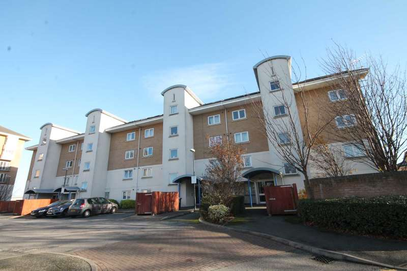 2 Bedrooms Apartment Flat for sale in McCarthur Close, Erith