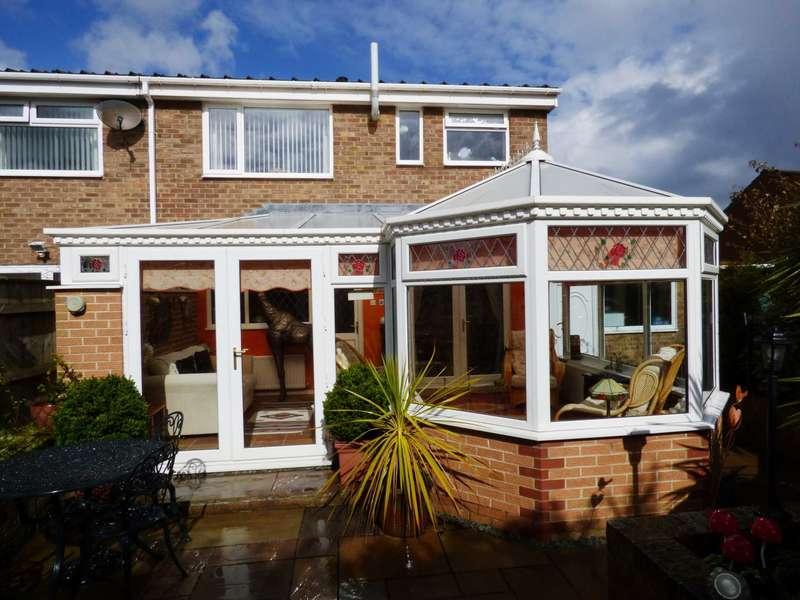 3 Bedrooms Semi Detached House for sale in Coxmoor Way, New Marske