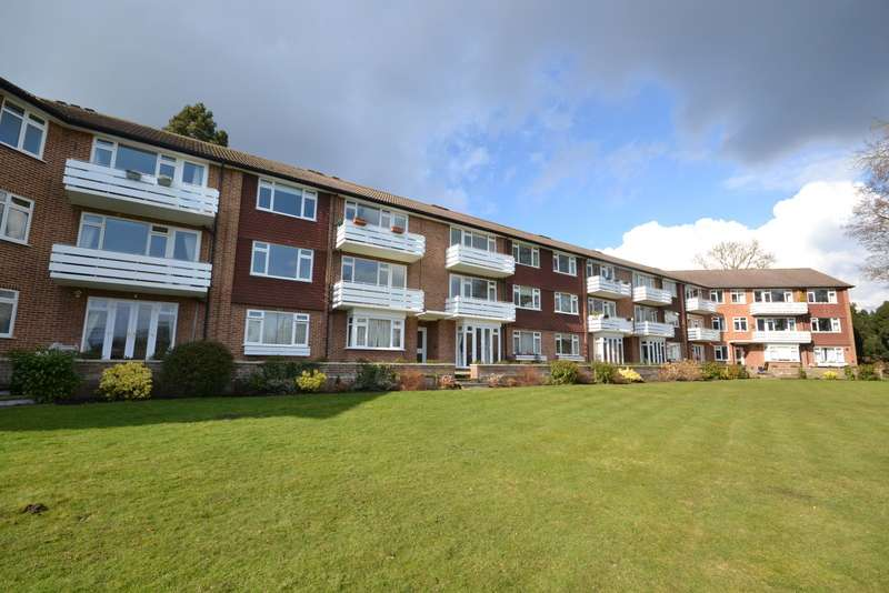 2 Bedrooms Flat for sale in Hersham