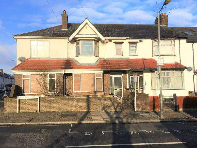 3 Bedrooms Terraced House for sale in Montana Road, Tooting Bec, SW17 8SN