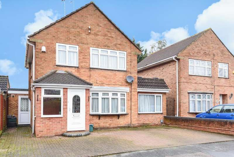 5 Bedrooms Detached House for sale in Hemel Hempstead, Hertfordshire, HP2