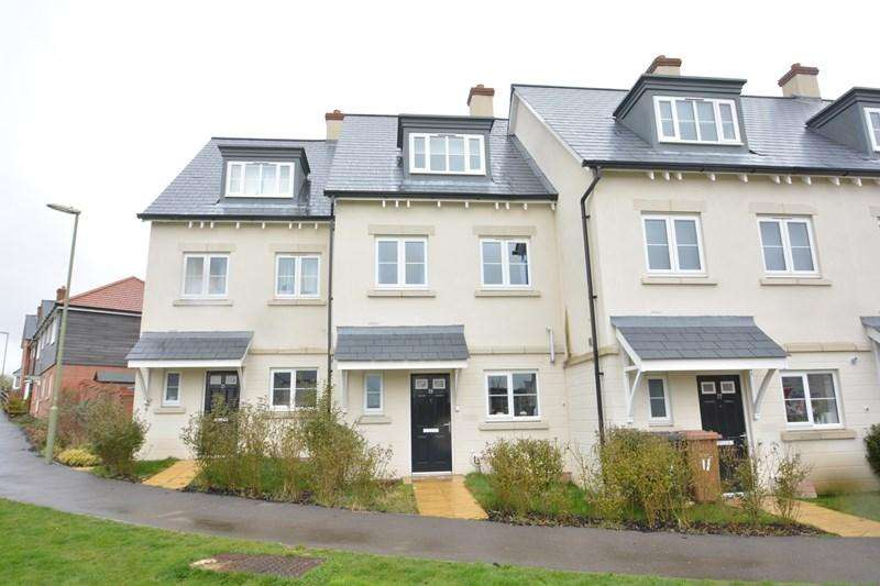 3 Bedrooms Town House for sale in Mercury Drive, Andover