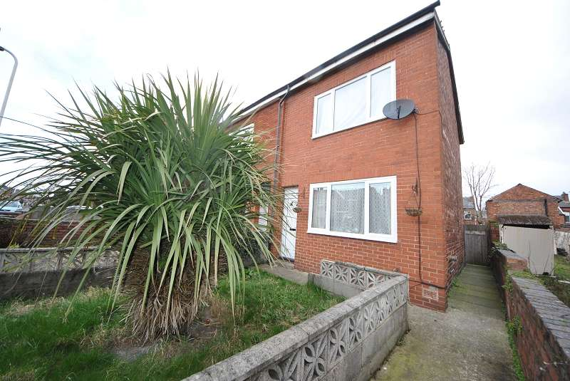 2 Bedrooms Semi Detached House for sale in Milton Street, Southport. PR9