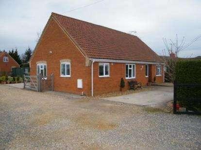 4 Bedrooms Bungalow for sale in Barroway Drove, Downham Market, Norfolk