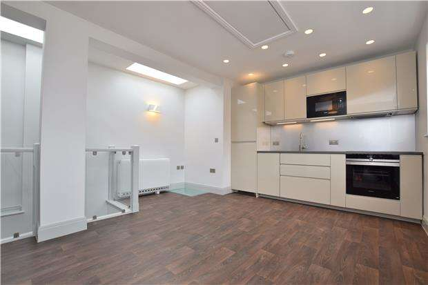 2 Bedrooms Flat for sale in Hertford Street, Oxford, OX4 3AL
