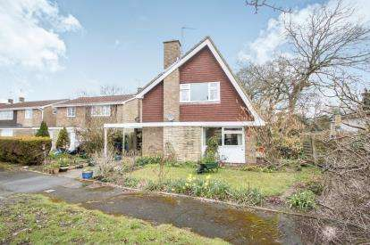 3 Bedrooms Detached House for sale in Bearwood, Bournemouth, Dorset