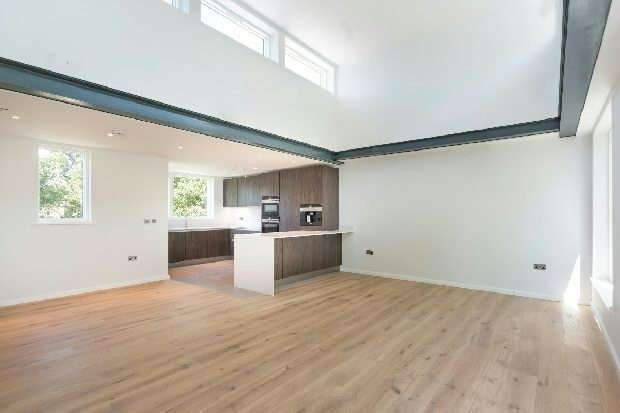 3 Bedrooms Flat for sale in Trinity House, Crayford Road, Tufnell Park, N7
