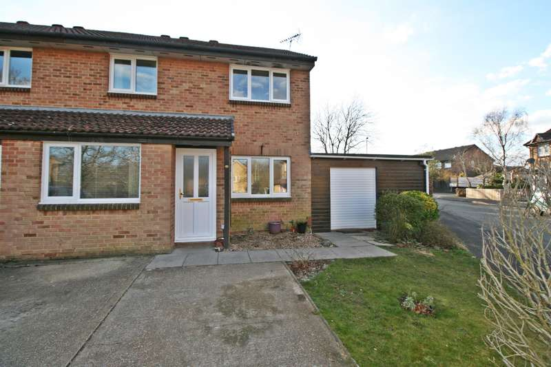 3 Bedrooms Semi Detached House for sale in Yaverland, Netley Abbey, Southampton, SO31 5PW