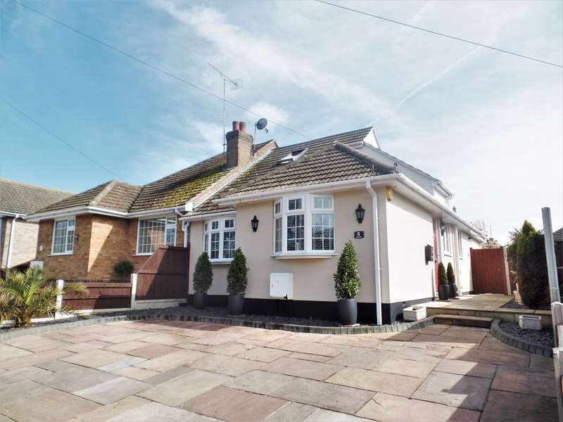 3 Bedrooms Semi Detached Bungalow for sale in Holland on Sea
