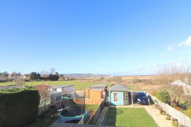 3 Bedrooms Semi Detached House for sale in St. Anthonys Avenue, Eastbourne, BN23