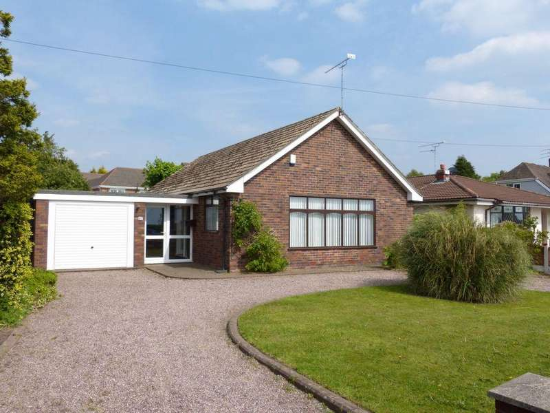 3 Bedrooms Bungalow for sale in Turnpike Road, Aughton, L39
