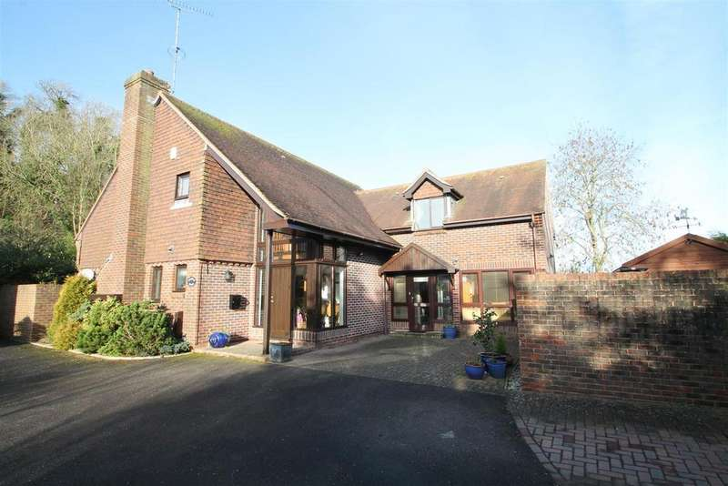 5 Bedrooms House for sale in The Street, Steyning