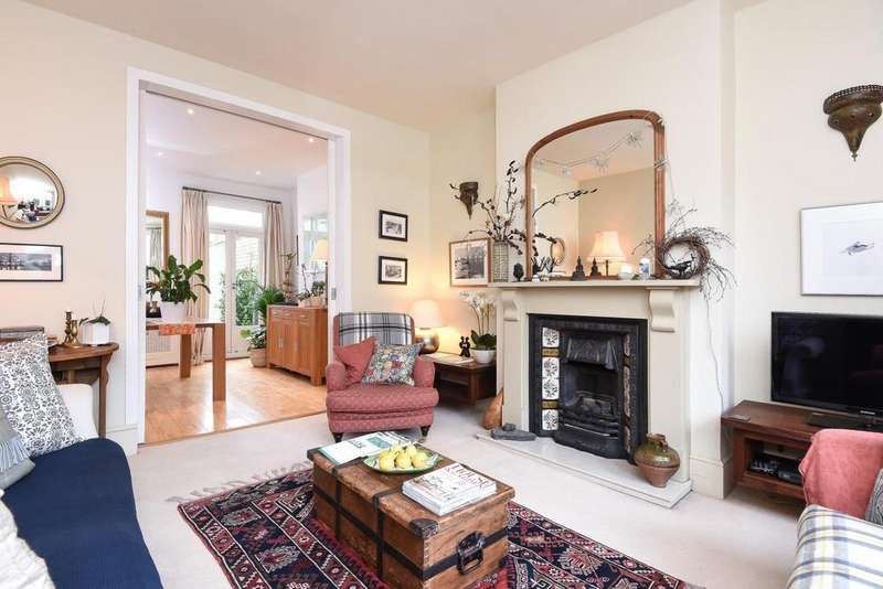 4 Bedrooms Terraced House for sale in Heythorp Street, Southfields
