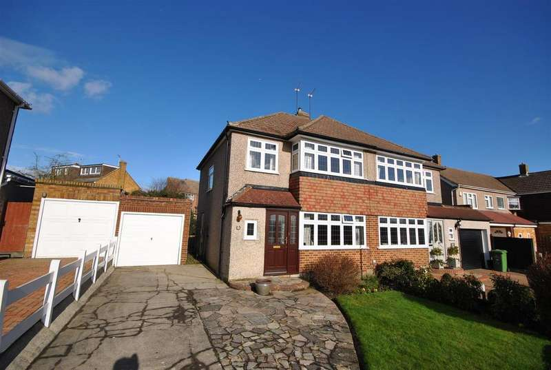 3 Bedrooms Semi Detached House for sale in Melvyn Close, Goffs Oak, Goffs Oak