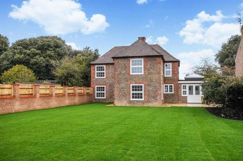 3 Bedrooms Detached House for sale in Barnham Road, Barnham