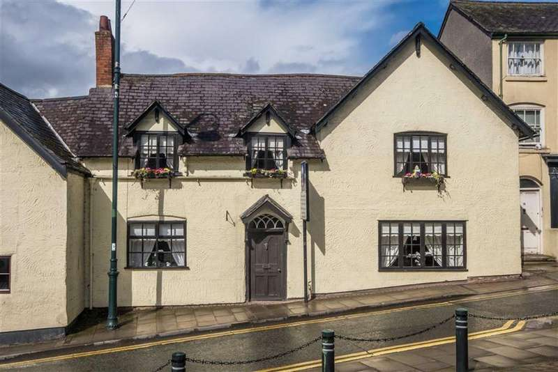 6 Bedrooms Town House for sale in Clwyd Street, Ruthin