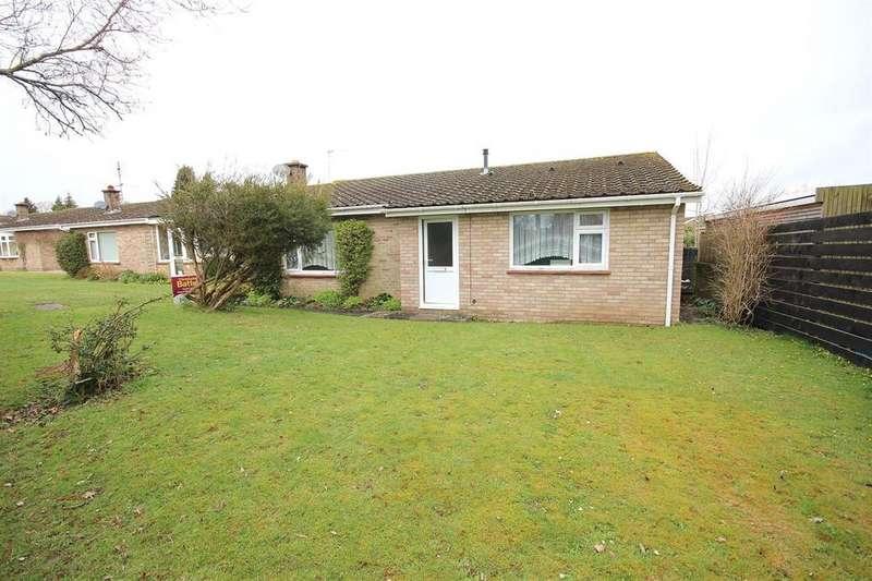 3 Bedrooms Detached Bungalow for sale in Sopwith Crescent, Merley, Wimborne