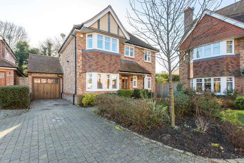 3 Bedrooms Detached House for sale in Searchwood Heights, Warlingham, Surrey, CR6 9GE