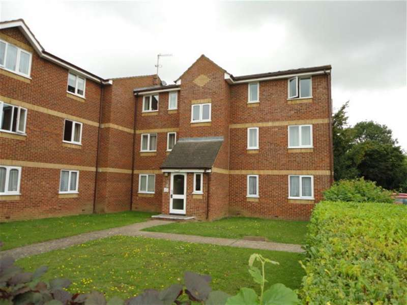 2 Bedrooms Flat for sale in Lowestoft Drive, Slough, SL1 6PE