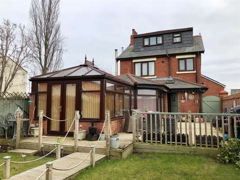 3 Bedrooms Detached House for sale in Croston Road, Leyland