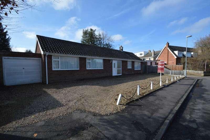 3 Bedrooms Bungalow for sale in Fieldview, Norwich