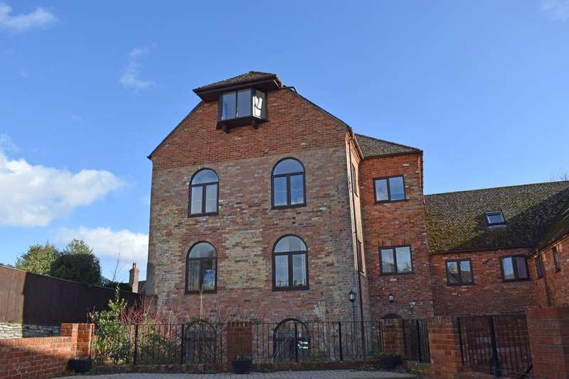 2 Bedrooms Flat for sale in The Old Brewery, Pound Lane, Wareham BH20
