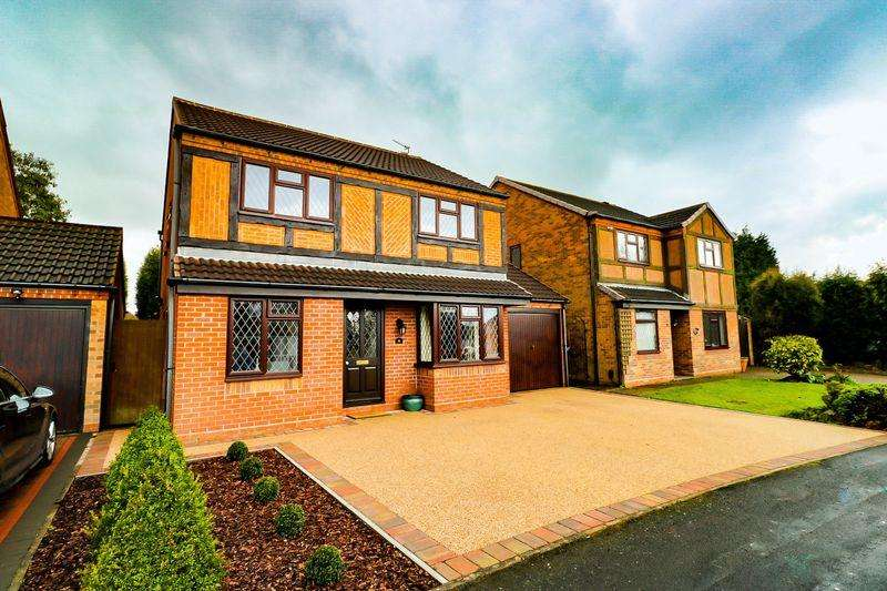 4 Bedrooms Detached House for sale in St Marys Way, Aldridge, Walsall