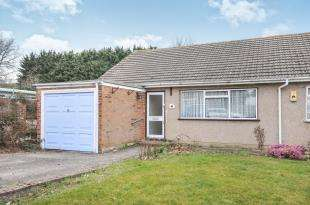 2 Bedrooms Bungalow for sale in Partridge Road, Sidcup, Kent