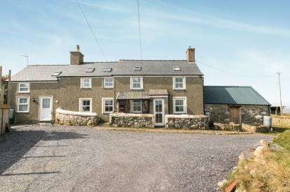 4 Bedrooms Detached House for sale in Cilan, Pwllheli, ., LL53
