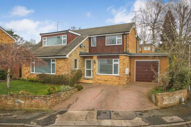 4 Bedrooms Detached House for sale in 4 BED DETACHED in CUL DE SAC in BOXMOOR HP1