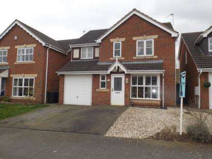 4 Bedrooms Detached House for sale in Sandpiper Close, Bingham, Nottingham, Nottinghamshire