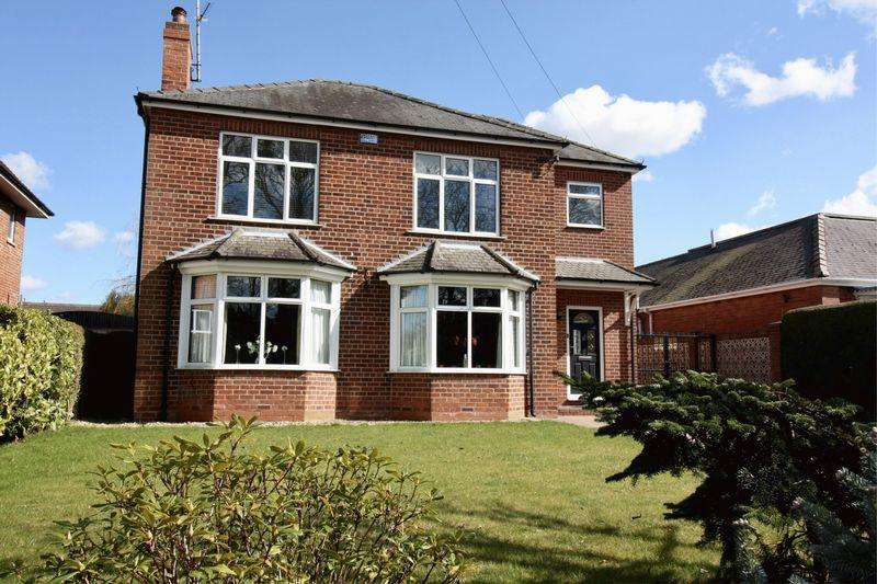 4 Bedrooms Detached House for sale in Londesborough Road, Market Weighton