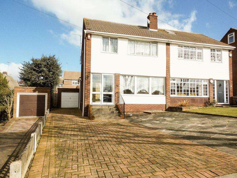 3 Bedrooms Semi Detached House for sale in Dering Crescent, Eastwood, Leigh-On-Sea