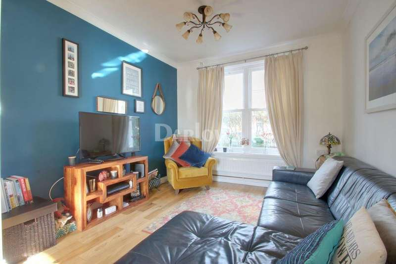 3 Bedrooms End Of Terrace House for sale in Moy Road, Taffs Well