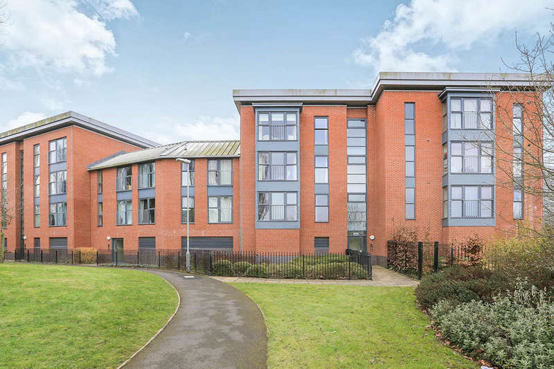 2 Bedrooms Flat for sale in Rothesay Gardens, Wolverhampton, WV4