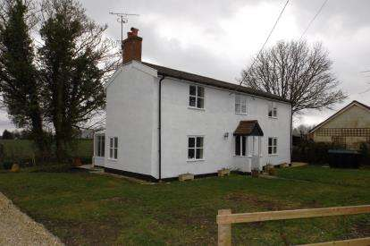 4 Bedrooms Detached House for sale in Ashbocking, Ipswich, Suffolk