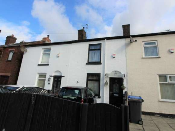 2 Bedrooms Terraced House for sale in Bolton Road, Radcliffe