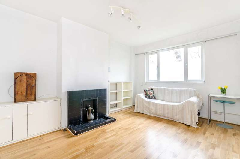 2 Bedrooms Flat for sale in Nelson Square, Southwark, SE1